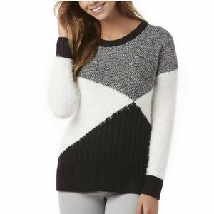 Metaphor Black & White Cozy Knit Pull Over Sweater